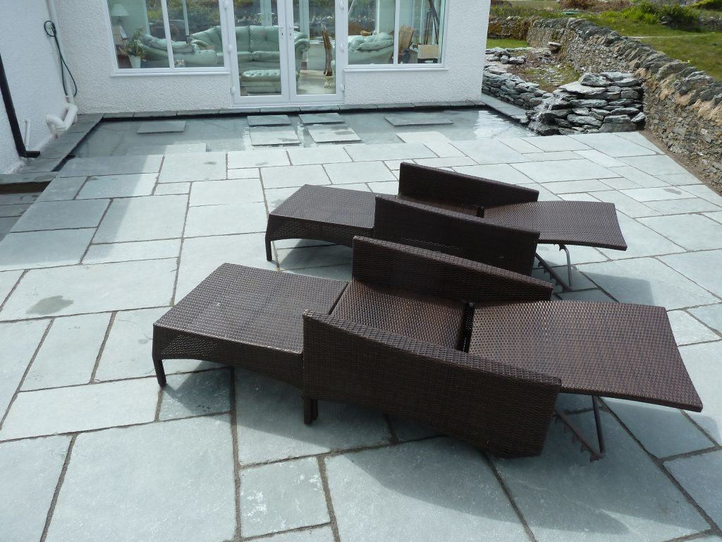 trearddur bay patio