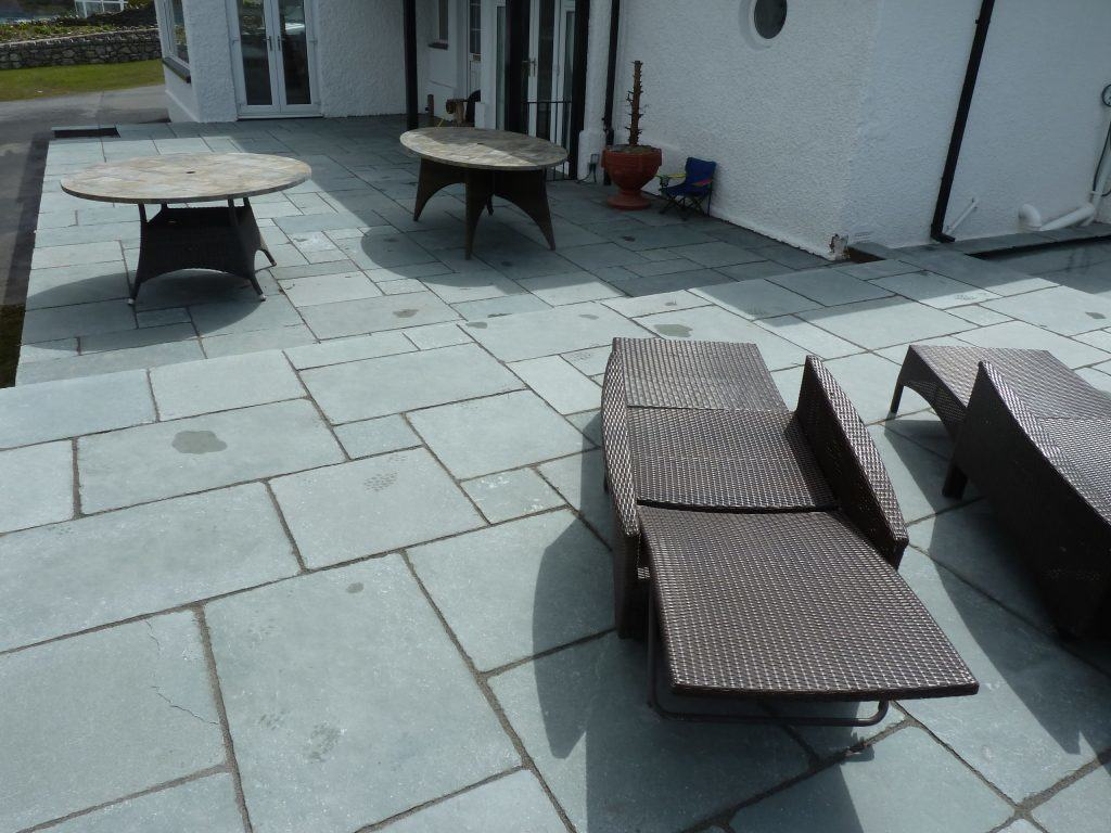 trearddur bay patio and dining area